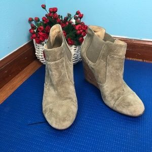 Sole Society So-Heather suede Leather wedge bootie